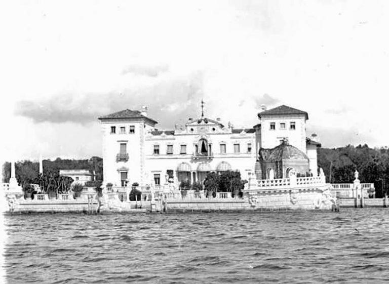 Eastern façade of Vizcaya along Biscayne Bay, c. 1940 (State Archives of Florida)