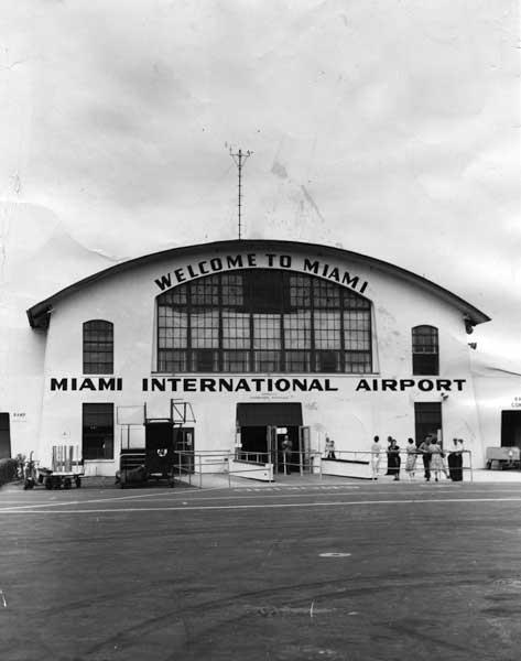 Airport entrance at 36th Street in Miami, c. 1935 (HistoryMiami)